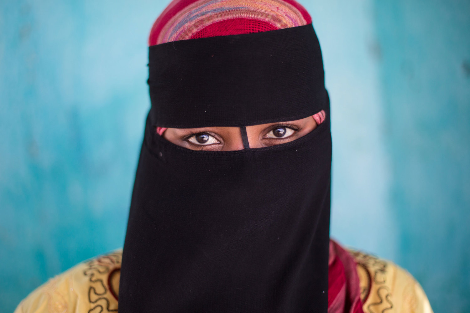 Fawzeya from Heisa Island wears the niqab when she goes out during the day, because she does not want her skin to tan. With Aswan located so close to the equator, it is sunny with summer-like temperatures all year around.
